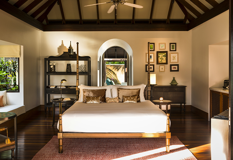 Anantara Kihavah Villas Maldives - Tree Bedroom Beach Pool Residence - Master bedroom