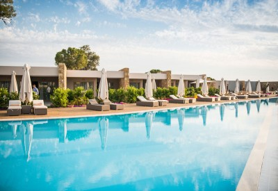 Deluxe-Collection-Pool - Ikos Resorts Greece